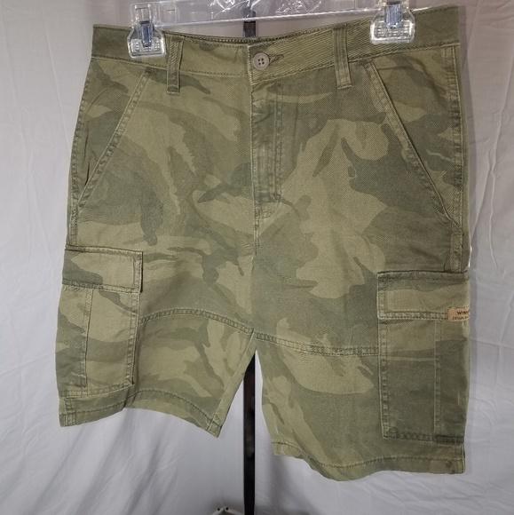 get cheap classcic on feet at NWT Wrangler Men's Cargo Shorts Waist 30 NWT
